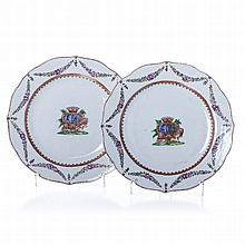 Pair of Armorial plates in Chinese porcelain