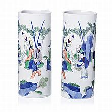 Pair of tube vases 'immortalls' in Chinese porcelain, Guangxu