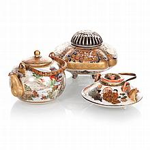 Two teapots and miniature incense burner in ceramics Satsuma