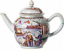 Teapot mandarin in Chinese porcelain, Qianlong