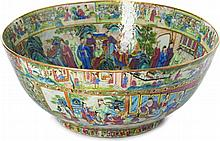 Punch bowl in Chinese porcelain Daoguang