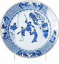 Plate 'acrobat' in Chinese porcelain, Kangxi