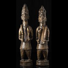 YORUBA - Pair of ancestor figures