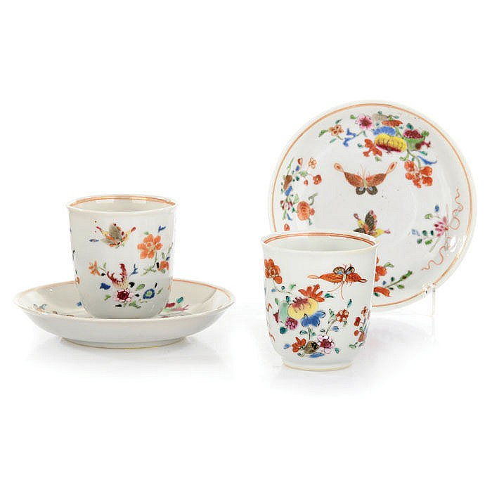Pair of cups with saucers, Export porcelain