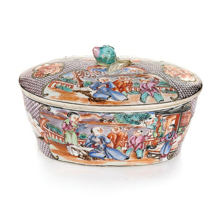 Butter bowl in Chinese porcelain