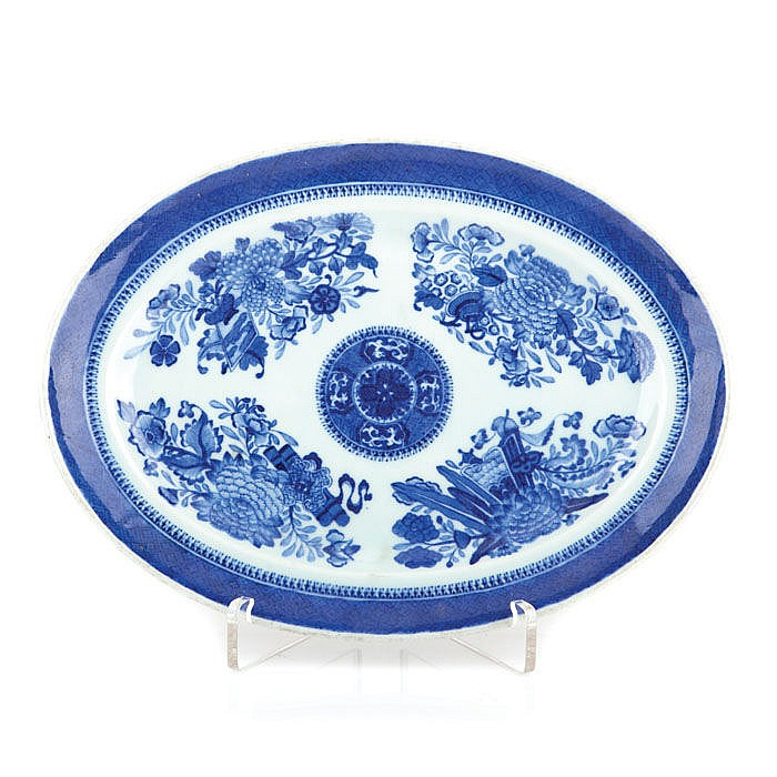 Platter oval in Chinese porcelain, Fitzhugh