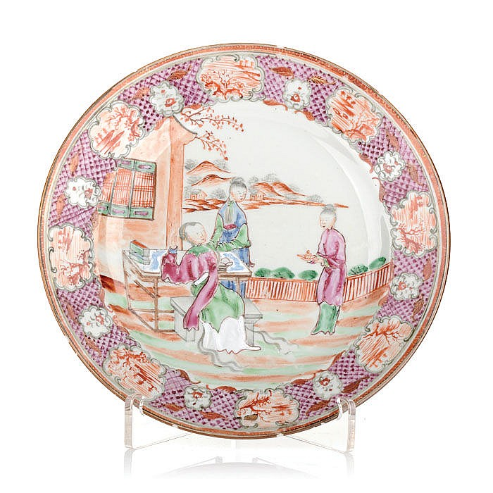 Plate figurative in Chinese porcelain