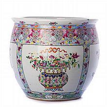 Large cachepot in porcelain, China,  Daoguang/Tongzhi