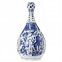 Bottle in Chinese porcelain, Wanli