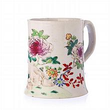 Small mug in Chinese porcelain, Qianlong
