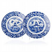 Pair of plates 'herons and pagoda' in Chinese porcelain, Kangxi