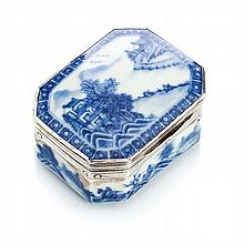 Box in Chinese porcelain and a silver monture, Qianlong