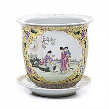 Cachepot with stand in Chinese porcelain