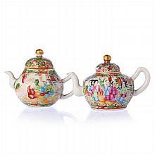 Two teapots 'mandarin' in Chinese porcelain, Guangxu