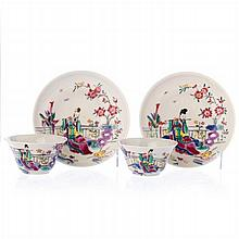 Pair of teacups with saucers 'flutist' in Chinese porcelain, Yongzheng