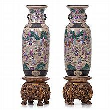 Pair of large vases 'warriors' in Chinese porcelain, Guangxu