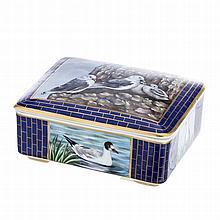 Box with 'birds' by Vista Alegre