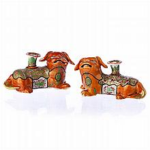 Pair of candlesticks 'foo dogs' in Chinese porcelain, Guangxu