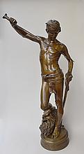 ANTONIN MERCIE (1854-1916) David Bronze à patine médaille figurant David rengainant son épée, le pied sur la tête de Goliath. Font...