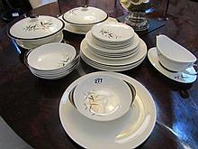 Royal Doulton 1960s Large Dinner Service with Bamboo Motif Tallest 3 Inches High