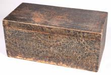 (19TH c) NEW ENGLAND GRAIN PAINTED BLANKET BOX