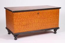 19TH CENTURY GRAIN PAINTED BLANKET BOX