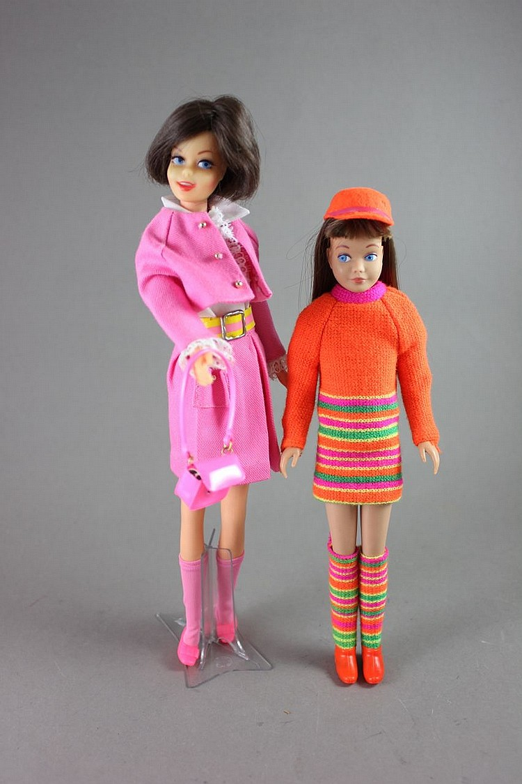 (2) BARBIE FRIENDS INCLUDES CASEY AND SKIPPER IN TAGGED OUTFITS