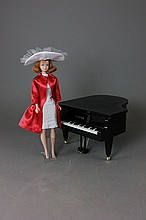TITIAN MIDGE PERFORMS MUSICAL MAGIC ON HER WONDERLAND PIANO