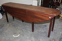 AN IRISH MAHOGANY DROP LEAF HUNT TABLE, 20th