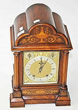 AN EDWARDIAN MAHOGANY INLAID AND MARQUETRY CASED CHIMING BRACKET CLOCK,