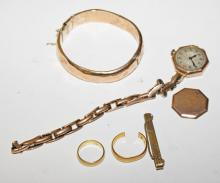 A COLLECTION OF MISCELLANEOUS SCRAP GOLD,