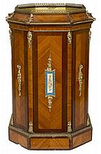 AN OCTAGONAL KING WOOD AND BRASS MOUNTED CENTRE JARDINIERE, 19th century wi
