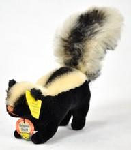 Steiff Skunk Mohair Tail Pink Floss Nose 1410.0