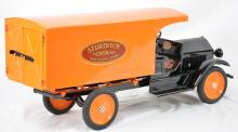 Sturditoy Traveling Store Truck