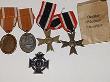 A WWI German Cross and four German WWII medals (5)