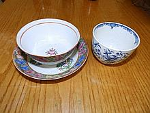 An 18thC English porcelain blue & white tea bowl in Mansfield pattern, toge