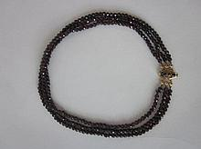 Granaten collier,drie rijig, apart slotje, 45cm