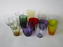 Set van gekleurde drinkglazen
