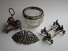 Lot met voorwerpen waaronder zilver