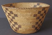 VINTAGE PIMA / PAPAGO NATIVE AMERICAN BASKET