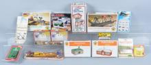 Lot of TRAIN ACCESSORIES