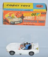 CORGI JAMES BOND TOYOTA 2000 GT  w/Box
