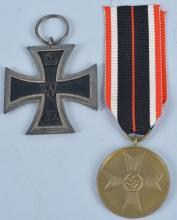 Lot WW2 Nazi Germany Iron Cross & Medal