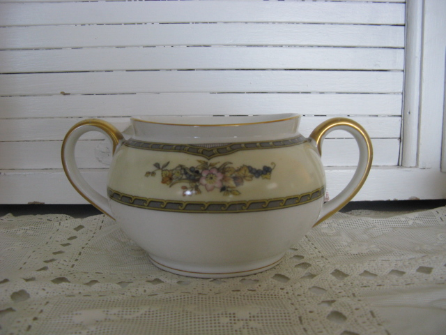 Noritake China Windsor Pattern sugar bowl with out lid