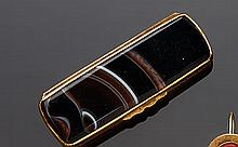 Piccolo vinagrette in metallo dorato