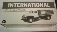 1st Gear 1957 International Stake Truck 1:34 2002