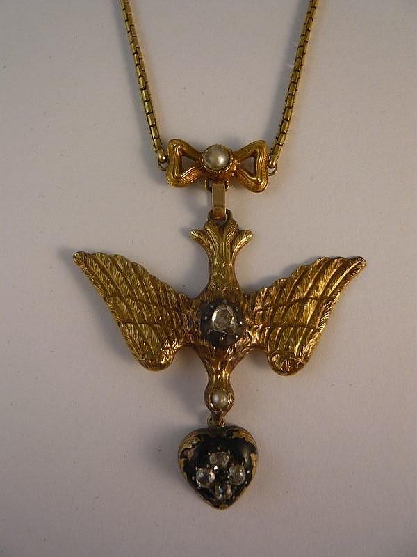 Pendentif Saint-Esprit en or jaune