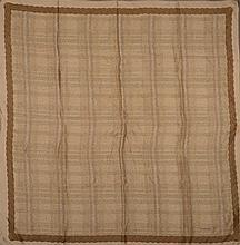CHANEL         Carré en soie imprimée à motif de corde sur le contour.