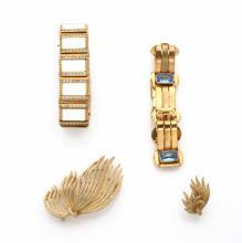 LISNER     Demi-parure en métal doré brossé, figurant une gerbe de paille comprenant une broche et une paire de clips d'oreilles.