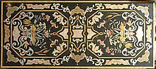 Bagues  Paire d'appliques à deux bras de lumière en métal doré et verre  à décor d'un perroquet au milieu de branchages et de fleurs  Haut : 60 cm - largeur : 34  cm